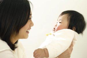 キューズベリーの抱っこひもは赤ちゃんの寝かしつけに便利です!