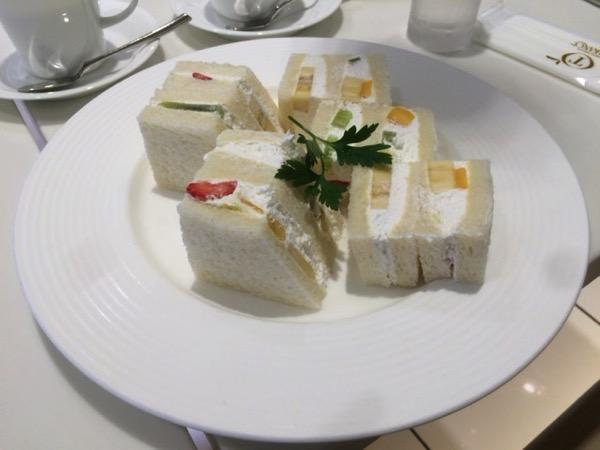 タカノフルーツパーラーのサンドウィッチ
