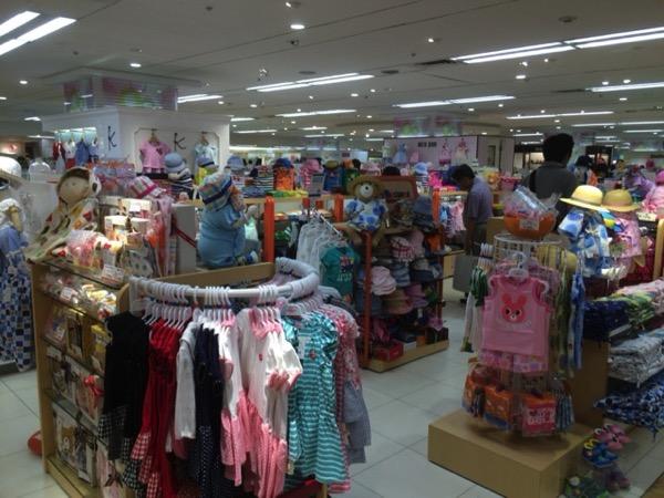 東武百貨店の子供服売り場
