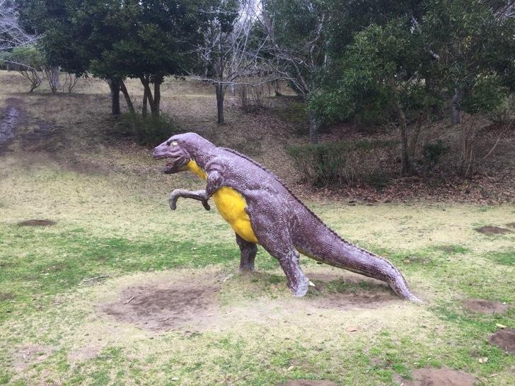 館山運動公園の恐竜