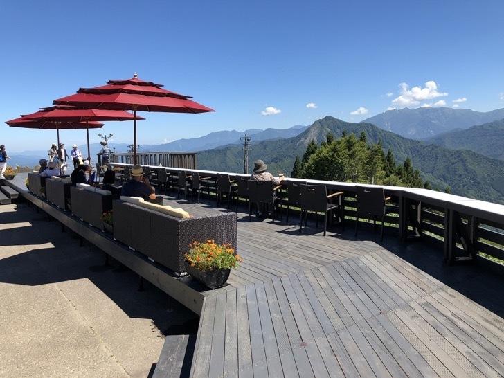 雲の上のカフェ