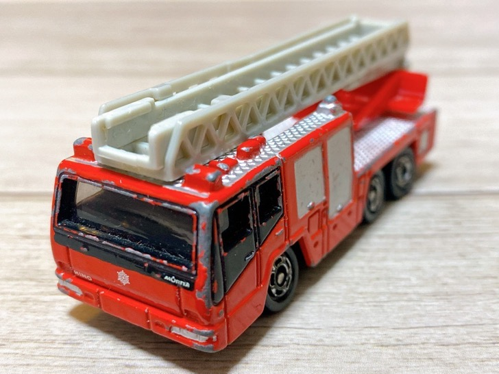 消防車のトミカ