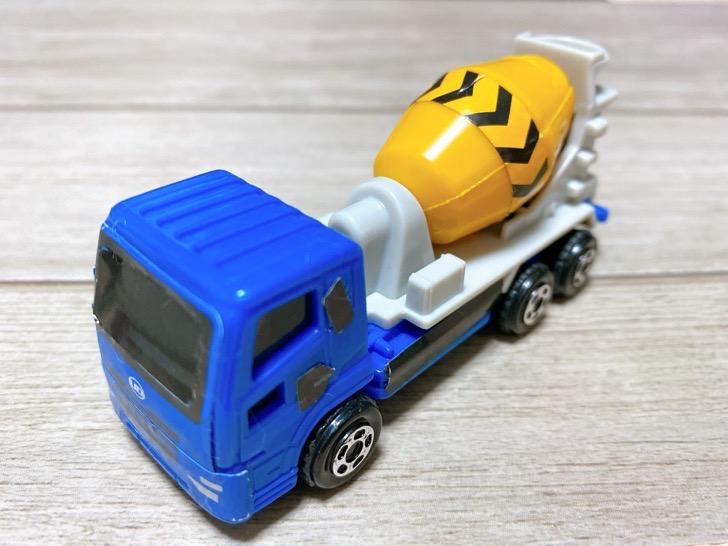 UDトラックス クオン ミキサー車